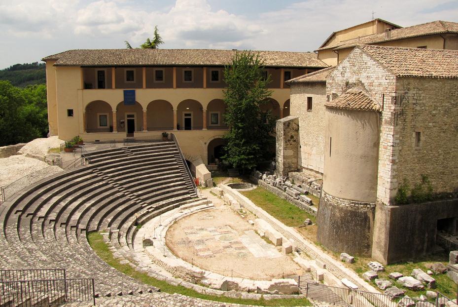 Spoleto - Il teatro romano